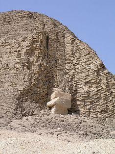 Masonry of the pyramid of Sesostris II at El Lahun - Ancient Egypt