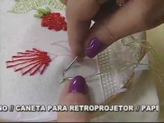 Tutorial in Portuguese showing how to make a woven flower.  ▶ ARTE BRASIL - VALQUÍRIA CAMPANELLI - TULIPAS EM KAMAL KADAI (09/08/2011) - YouTube