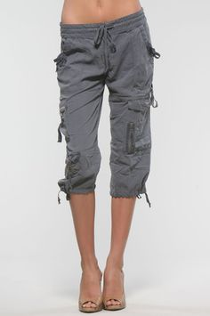Cargo capri pants - I live for these | pantalones | Pinterest ...