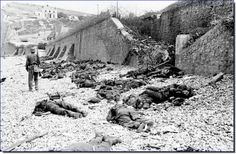 Dead Allied soldiers at Dieppe 1942