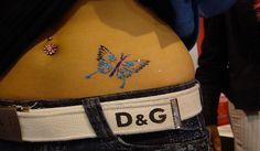 http://tattoo-tattoos.biz/tatuajes-temporales-tattoo-temporales/   Un numero grande de personas deciden hacerse tatuaje temporales porque no saben si le seguiran gustando por el resto de la vida.    Por eso coando se pinta un tattoo temporal simpre pregunta como pueden hacer para que estos  duren el  mayor tiempo posible decorado su piel.