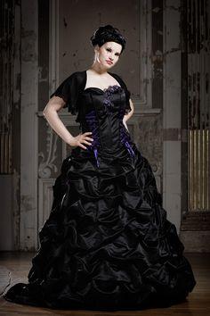 Schwarze Brautkleider, farbige Brautmode und ausgefallene Abendmode