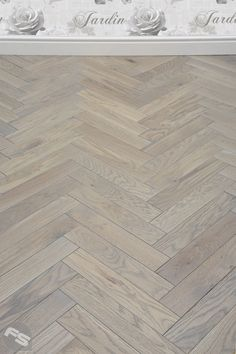 New Home Park Avenue Herringbone Silk Grey Oak Solid Wood Flooring - 1 Smart Cleaning With A Roomba