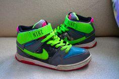 RARE! Womens NIKE AIR MOGAN MID 2 Sneakers SHOES Throwback Look 7 407479-336  #Nike #RunningCrossTraining