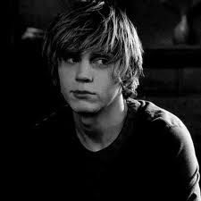 Evan Peters I can't wait to see you in the new season of American Horror story