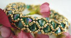 Stunning Emerald Swarovski Crystal Handmade Gold Net Bangle Bracelet