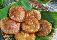 KUE CUCUR No Mixer + TIPS SUKSES (#pr_olahantepungberas) Cake Recipes, Snack Recipes, Snacks, Resep Cake, Nasi Lemak, Indonesian Food, Mixer, Nom Nom, Chips