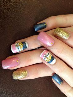 Leonnie`s holiday nails!!