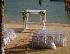 How to Decorate for a Beach Wedding on a Budget....RICCA this is what I'm talkin bout!!!!