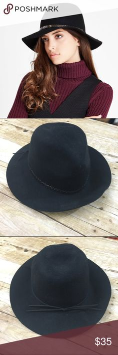 """BCBG wool chain Panama hat NWT 100% wool I bought this in 2 colors and I just don't need this one, chain is a gun metal like color,  offers welcome, bundle 2 or more items in my closet using the """"bundle"""" feature and receive 15% off of your total purchase! BCBGeneration Accessories Hats"""