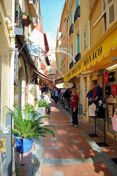 Monte Carlo, Monaco - One of my favorite places to walk around Places Around The World, Oh The Places You'll Go, Travel Around The World, Places To Travel, Places To Visit, Around The Worlds, Monte Carlo Monaco, Bósnia E Herzegovina, Beaux Villages