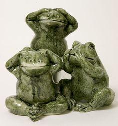 Kikkertjes<br />horen, zien en zwijgen bij Crystal Temptation in Venlo Garden Sculpture, Lion Sculpture, Three Wise Monkeys, See No Evil, Bookshelves, Statue, Tattoo, Furniture, Decor