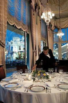 Luxury Dining 'Live The Good Life - All about Luxury Lifestyle
