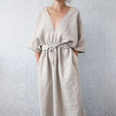 Beautiful handmade kimono style linen dress with pockets and matching belt! Inspiring summer wardrobe ideas at Le café de maman!