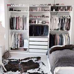 Ikea pax kleiderschrank, closet layout, diy quartos, closet bedroom, ikea p Bedroom Closet Design, Room Ideas Bedroom, Closet Designs, Bedroom Storage, Closet Storage, Wardrobe Storage, Closet Shelves, Clothing Storage, Diy Bedroom