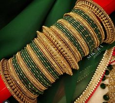 Thread Bangles Design, Gold Bangles Design, Bridal Bangles, Wedding Jewelry, Stylish Jewelry, Fashion Jewelry, Bridal Jewellery Inspiration, Indian Jewelry Sets, Bollywood Jewelry