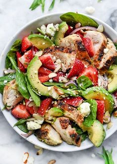 9 Dinner Salads That Won't Leave You Hungry Strawberry, Avocado, and Chicken Spinach Salad Avocado Spinach Salad, Spinach Salad With Chicken, Spinach Strawberry Salad, Spinach Stuffed Chicken, Avocado Chicken, Grilled Chicken, Pinapple Salad, Avocado Food, Grilled Squid