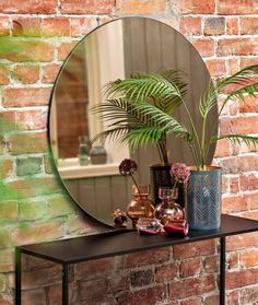 #rundt #speil #interiør #kremmerhuset House Rooms, Boudoir, Oversized Mirror, Vase, Tutorials, Furniture, Home Decor, Powder Room, Decoration Home