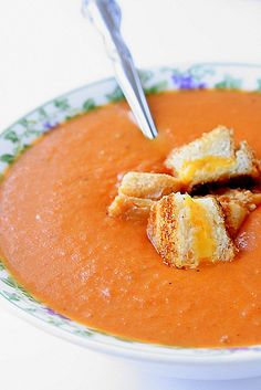 Grilled Cheese Tomato Soup Croutons  I do not need these.  I should not have these.   I want anyways. Tomato Soup Grilled Cheese, Roasted Tomato Soup, Making Grilled Cheese, Tomato Basil Soup, Roasted Tomatoes, Grilled Cheeses, Tomato Bisque, Cheese Soup, Soup And Sandwich