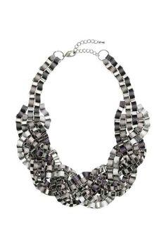 Collana intrecciata, H&M necklace 19,99.