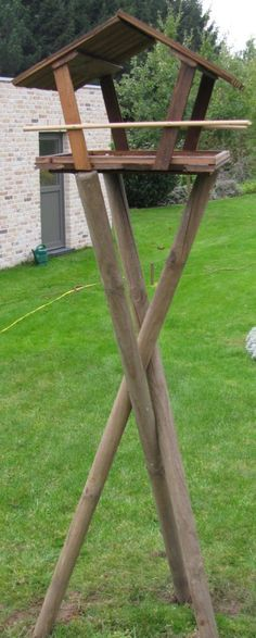 IMG_0247 Wooden Crafts, Arch, Outdoor Structures, Garden, Bird Feeder Plans, Wood Crafts, Longbow, Lawn And Garden, Arches
