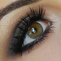 close-up photo of Natalie's natural smoky eye from www.missnattysbeautydiary.com.  (This is one of my all-time favorite looks).