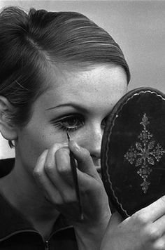 ''There's no need to dress like everyone else. It's much more fun to create your own look.'' Twiggy