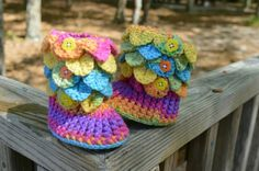 Check out this item in my Etsy shop https://www.etsy.com/listing/289628359/crochet-crocodile-stitch-booties-baby