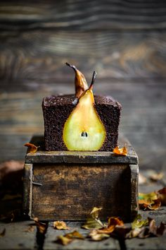Pear and Chocolate Loaf – Eighty 20 Nutrition Grass Fed Gelatin, Italian Hot, Paleo Mom, Smoothie Makers, Raw Cacao Powder, Cacao Beans, Orange Leaf, Raw Chocolate, Chocolate Heaven