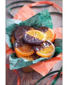 Festively beautiful, very tasty Chocolate Dipped Candied Orange Slices. I love dark chocolate with my fruit! Candy Recipes, Sweet Recipes, Holiday Recipes, Dessert Recipes, Candied Orange Slices, Chocolate Dipped, Food Gifts, Christmas Baking, Sweet Treats