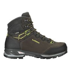 Slate/Green For backpacking gals with sensitive feet, the waterproof Lowa Lady Light GTX women's hiking boots are heaven-sent. To reduce irritation they have roomy toe boxes, one-piece uppers and flat lace loops. Camping Outfits, Mode Masculine, Chaussures Under Armour, Fishing Shoes, Backpacking Boots, Lady, Hiking Boots Women, Under Armour Shoes, Boots Online