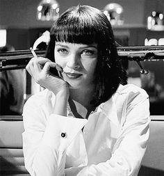 Uma Thurman as Mia Wallace in 'Pulp Fiction'. Quentin Tarantino, Tarantino Films, John Travolta, Uma Thurman Pulp Fiction, Marvin, Pop Culture Halloween Costume, Pulp Fiction Halloween Costume, Halloween Costumes, Actrices Hollywood