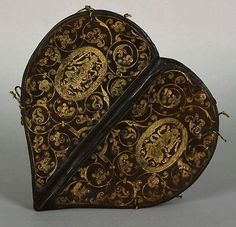 16th century heart-shaped prayer book with ornate gold-stamped binding. (Saxon State Library).