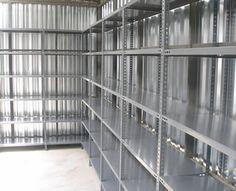 Çelik raf sistemleri genel amaç olarak arşiv için kullanılmaktadır. Çok tercih edilmesinin en önemli sebeplerinden birisi fiyat olarak çok ekonomik raf modeli olmasıdır. Bu raf sistemleri kolaylıkla monte edildiği alandan sökülerek başka bir arşiv veya depo alanına taşınarak yeniden kurulum yapılıp kullanılmaya devam etmektedir.