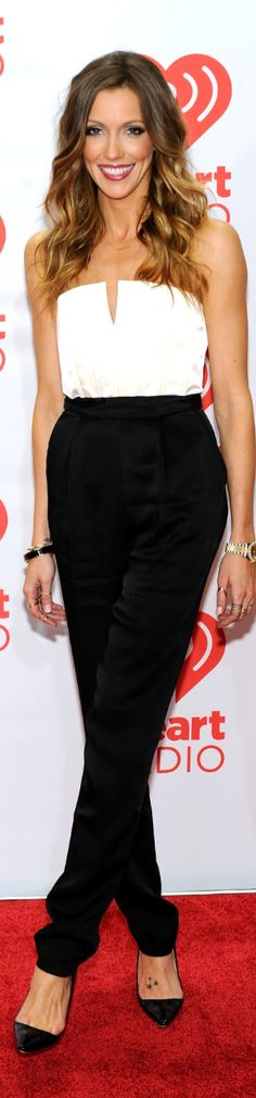 Katie Cassidy- Love what she is wearing and her hair!