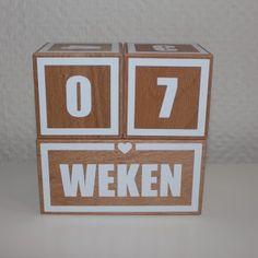 Stoere houten mijlpaalblokken, aftelblokken, mijlpaalblokken met hart, hartje