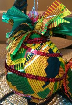 African Themed Christmas Bulbs, Kwanza, Merry Christmas Christmas Bulbs, Christmas Crafts, Merry Christmas, Christmas Decorations, African Christmas, African Crafts, Holiday Ideas, Holiday Decor, Decorating Ideas