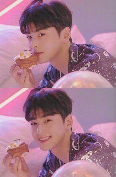 Cha Eun Woo, Cha Eunwoo Astro, Korean Boys Hot, Lee Dong Min, Dramas, Kdrama Actors, Flower Boys, Guy Pictures, Cute Anime Couples