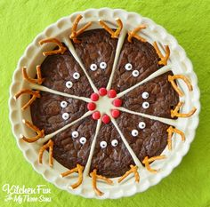Rudolph the Red Nose Reindeer Brownies.an easy Christmas treat for the Kids! Make Rudolph with M&M red noses and pretzel antlers. Kids love this Christmas dessert. Christmas Potluck, Easy Christmas Treats, Christmas Party Food, Christmas Sweets, Christmas Cooking, Noel Christmas, Christmas Goodies, Holiday Treats, Holiday Recipes