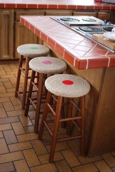 Crochet Stool Covers - Pattern by Mamachee Bar Stool Covers, Chair Covers, Seat Covers, Stool Cushion, Seat Cushions, Pillows, Crochet Round, Free Crochet, Crochet Cozy