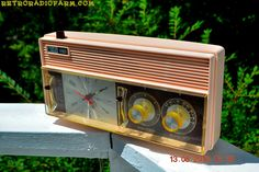 ROSATA PINK and Brown Mid Century Retro Vintage 1964 Arvin Model 52R43 AM Tube Clock Radio Rare!