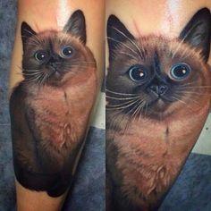 Pets são tão marcantes em nossas vidas que é bem comum pessoas eternizarem os animais na pele. Essa forma de homenagem ganhou bastante espaço nos últimos anos e cada vez mais vemos tatuagens inspiradas em cães ou gatos por aí....