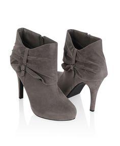 Lovely gray boot heels. #heels #boots #pretty