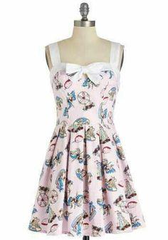Love this fan fair dress!