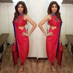 Contemporary Saree to Classy Midi! Shilpa Shetty's Dramatic Style Switch Is Amaze Shilpa Shetty Saree, Dhoti Saree, Anamika Khanna, Madhuri Dixit, Sonakshi Sinha, Salwar Kameez, Indowestern Saree, Saree Draping Styles, Saree Styles
