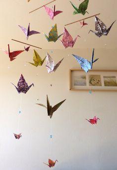 Mobile en origami 14 grues rouge or vert d coration murale chambre b b fille ou gar on - Origami decoration murale ...