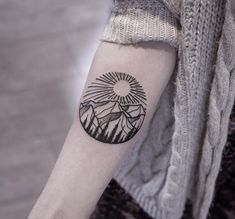 Awesome Mountain And Sun Tattoo On Forearm : Mountain Tattoos Tattoos Geometric, Dot Tattoos, Circle Tattoos, Neue Tattoos, Symbol Tattoos, Trendy Tattoos, Forearm Tattoos, Body Art Tattoos, Tattoos For Guys