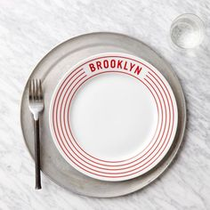 Our Brooklyn Red Stripe Pizza Plate provides a simple and stylish alternative to the usual styrofoam option. Plus with it being dishwasher safe, clean up is a breeze.