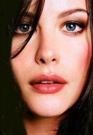 Stunning glances...