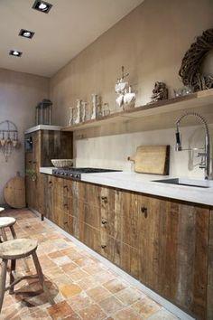 meuble cuisine bois brut, cuisine en bois massif, meubles de cuisine http://amzn.to/2keVOw4